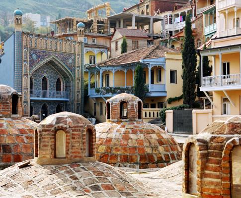 Серные бани в Тбилиси: противопоказания и полезные свойства